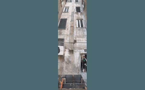 facciata palazzo prima dell'installazione di un ascensore