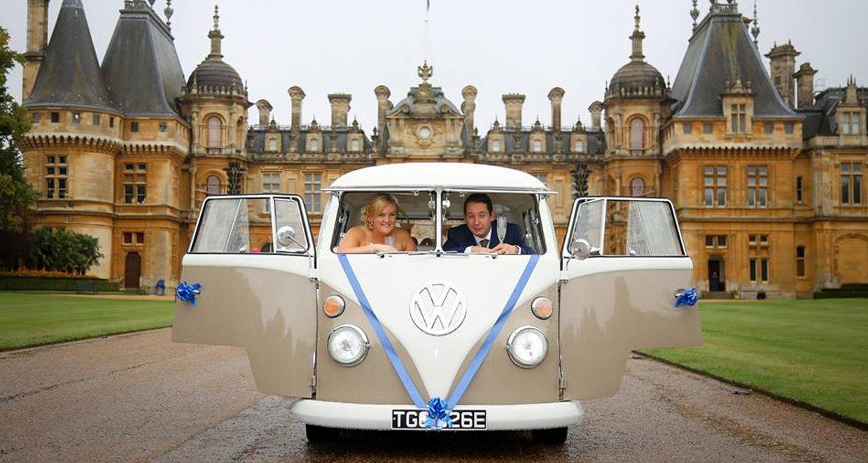 wedding couple in a car
