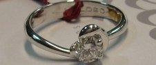 orecchini preziosi, riparazioni orafe, gioielli con zaffiri