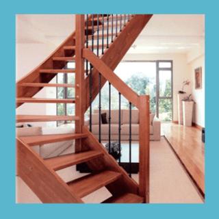 scala in legno classica