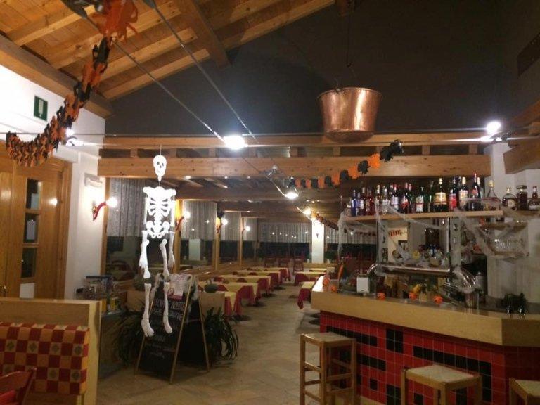 serata di halloween alla pizzeria La Caliera