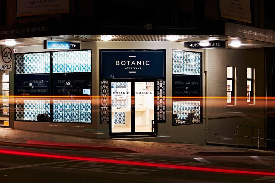 botanic shop sign above door