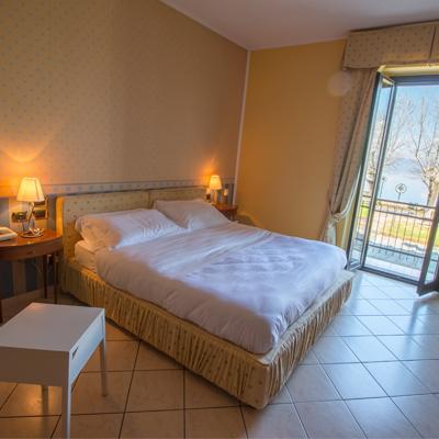 camera delle peonie, Hotel da Otello, hotel sul lago, Hotel lago di Bolsena