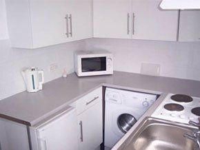 Self Catering Accommodation - Essex, East England - Everhome Apartments - Kitchen