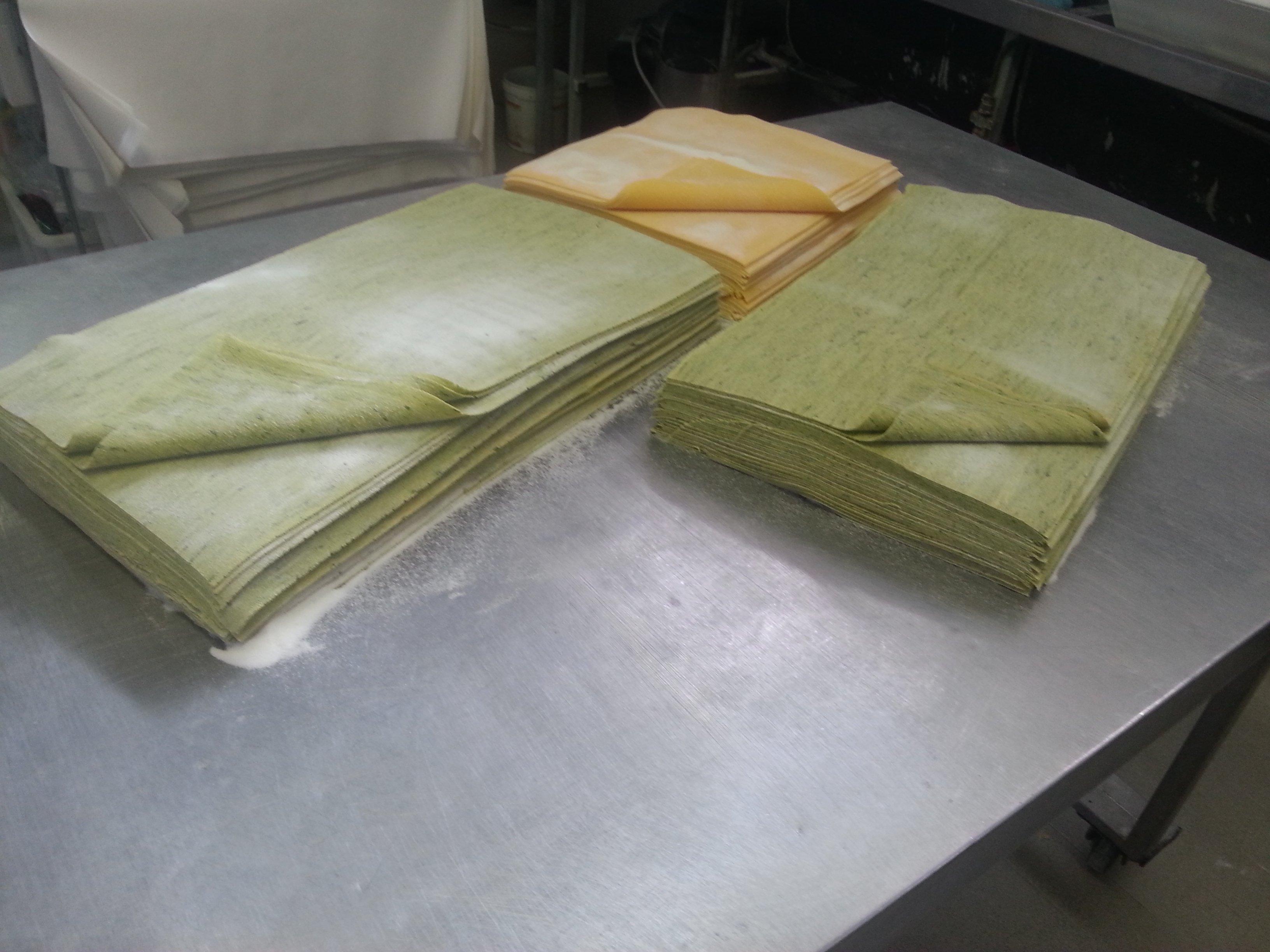 fogli di pasta fresca classica e verde
