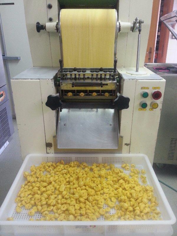 macchina per la creazione tortellini freschi