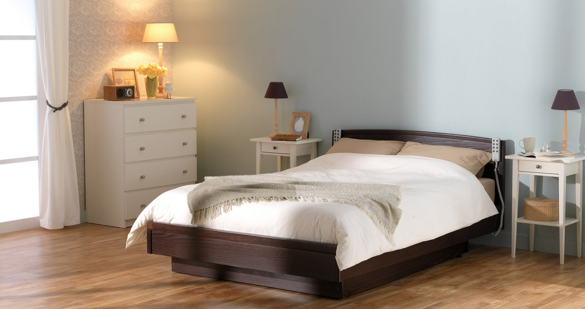 TWIN PROFILING HEIGHT ADJUSTABLE BED