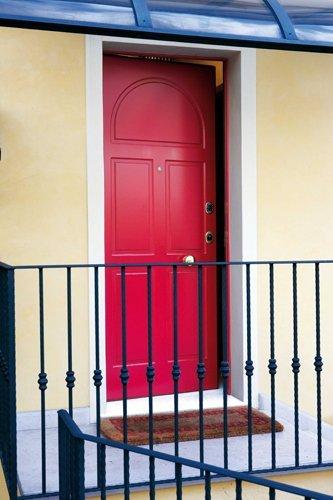 porta blindata rossa