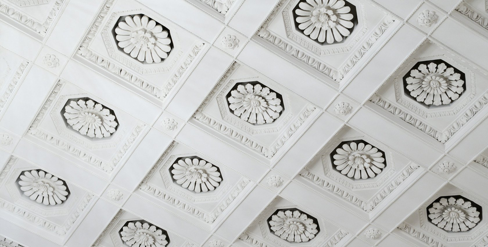 Decorative plastering