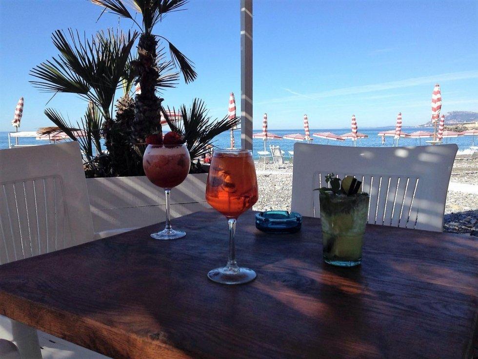 Spiaggia aperitivo al beach bar