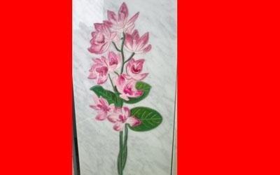 Decorazione floreale lapide