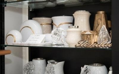 Urne in marmo e ceramica
