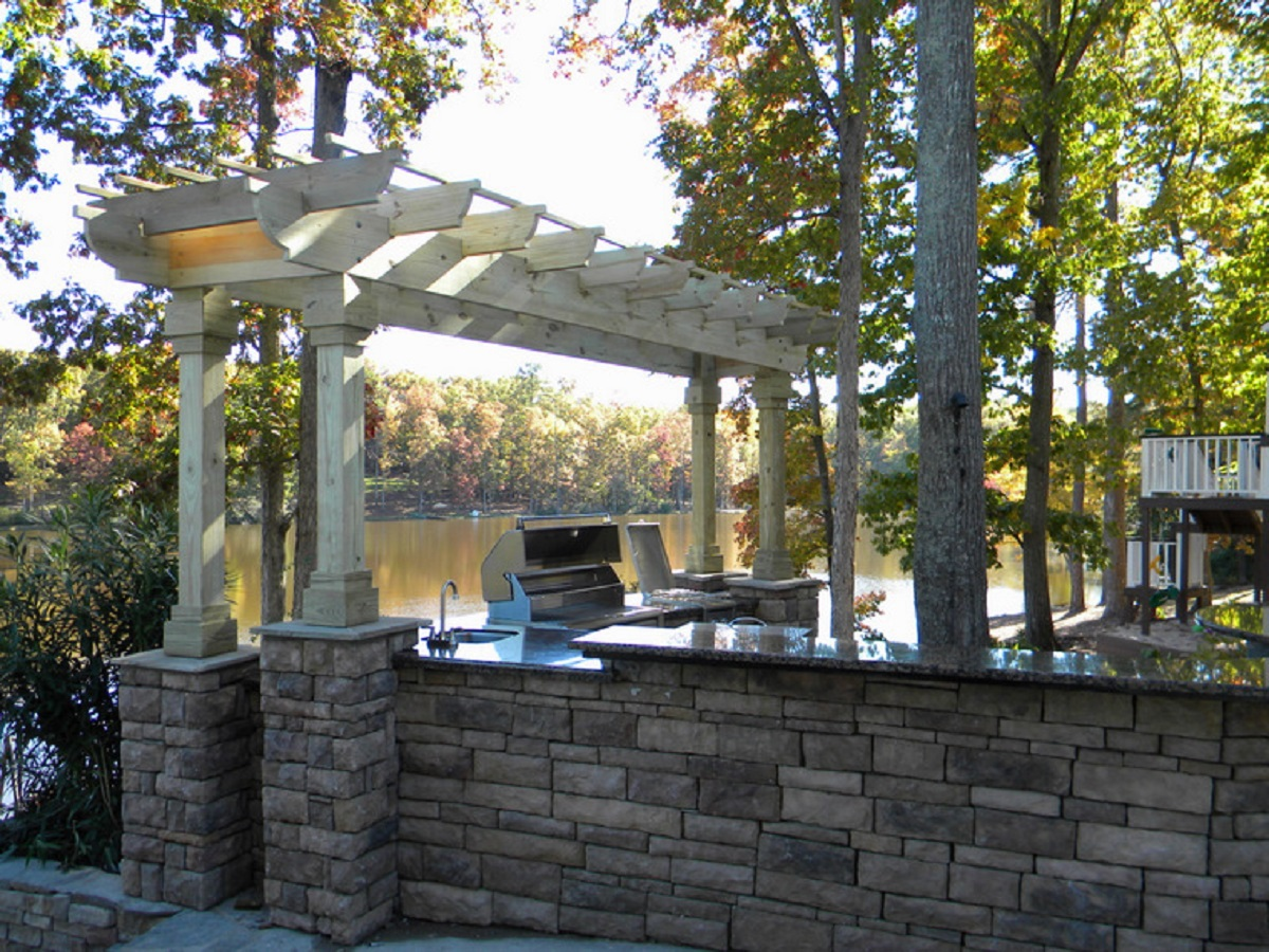 Superior stone designs llc stone work stucco for Landscaping rocks columbia sc