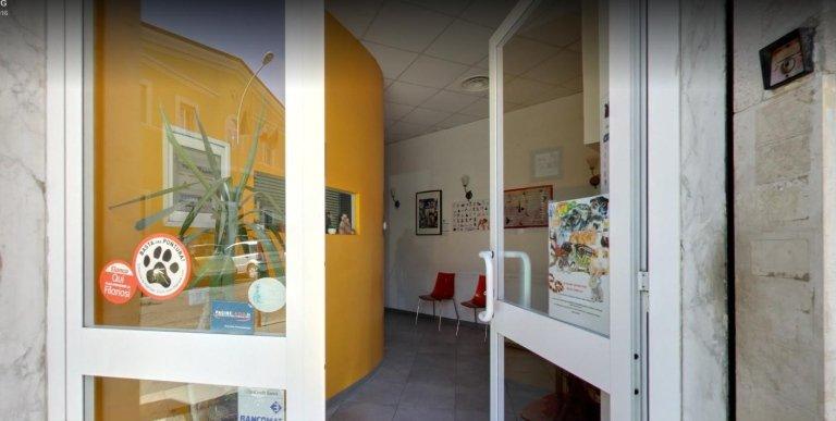 ingresso di centro veterinario
