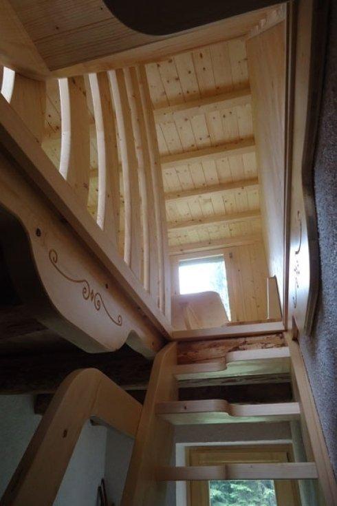 Scala e sopplaco in legno.