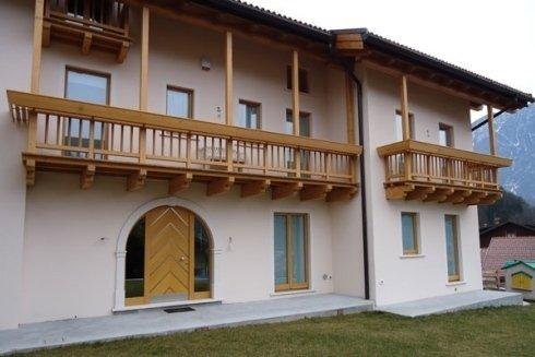 Realizzazione di poggioli e balconi in legno