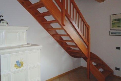 Scala classica in legno