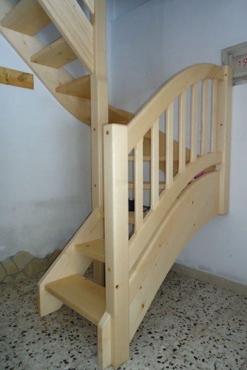 scala in legno di pino