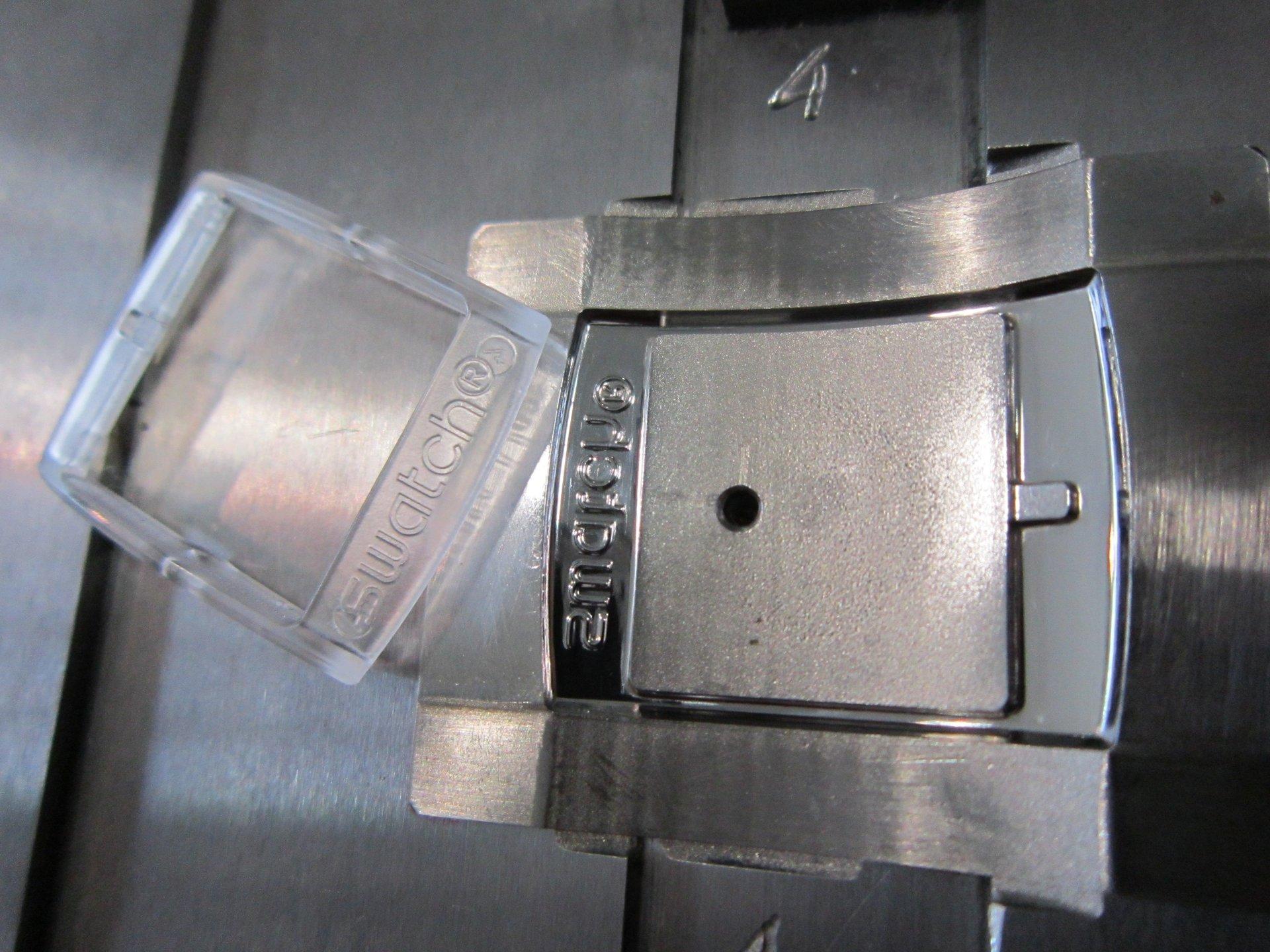 superficie metallica lucidata