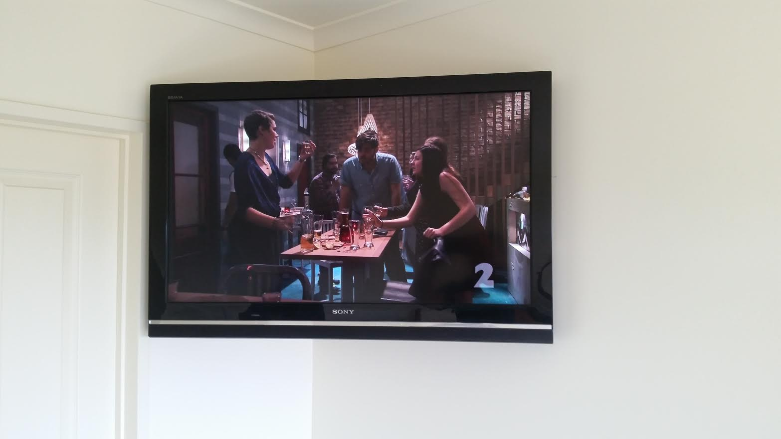 bedroom TV mounting