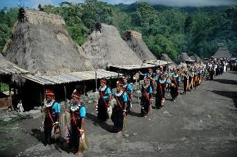 Indonesien Floresreise traditionelles Dorf