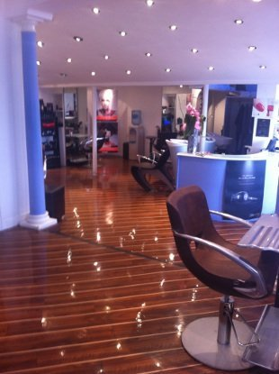Hair cutting - Cotteridge - James Hair Team and Beauty Salon - Hairdresser