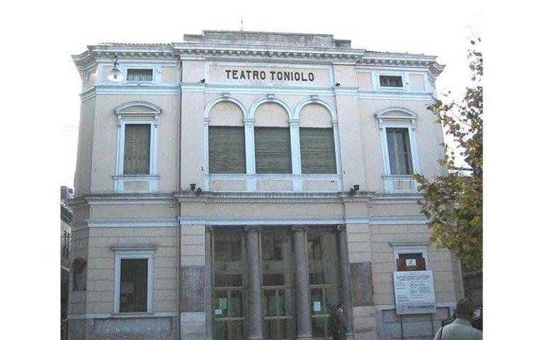 Teatro Toniolo prima del restauro