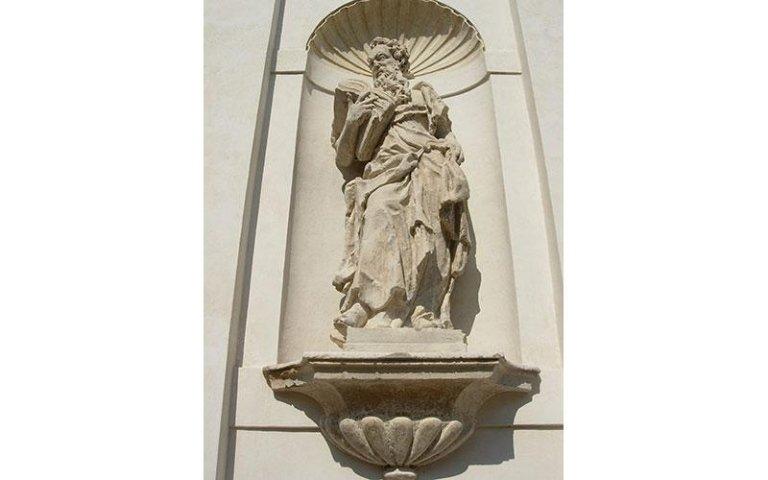 Statua di S.Innocenzo dopo il restauro