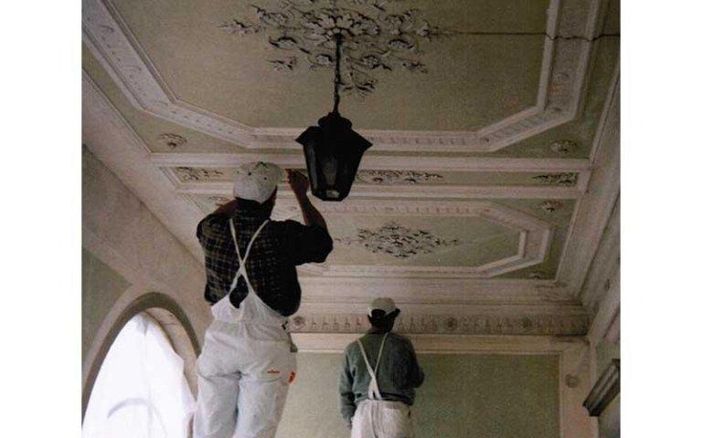 restauro marmorini e stucchi interni
