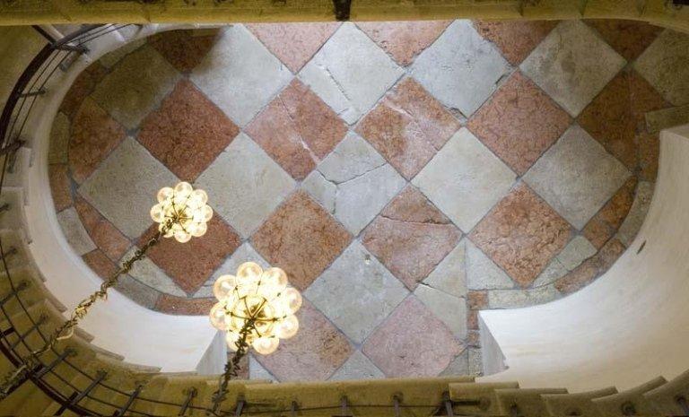 Pavimento Scala Massari restaurato