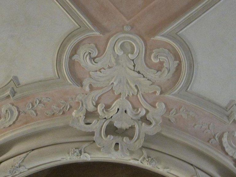 Particolare Stucchi decorativi dopo il restauro