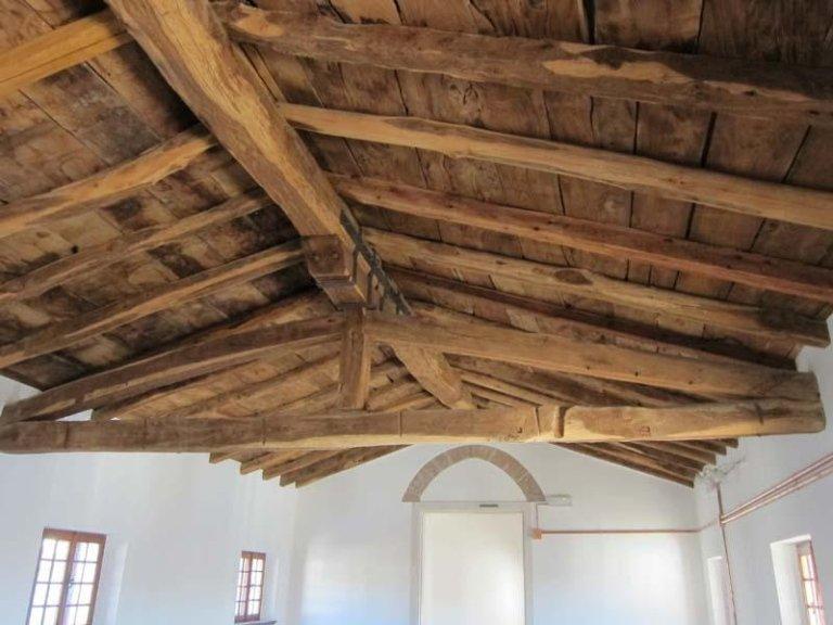 Antico tetto in legno di Palazzina Ferro ad Aviano