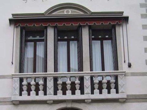 balcone in pietra
