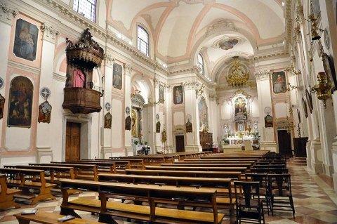 La navata dopo il restauro