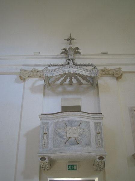 Particolare del pulpito dopo il restauro