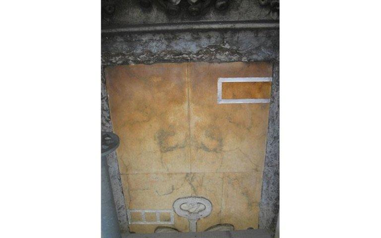 Pulitura e consolidamento di marmo Pavonazzetto Toscano