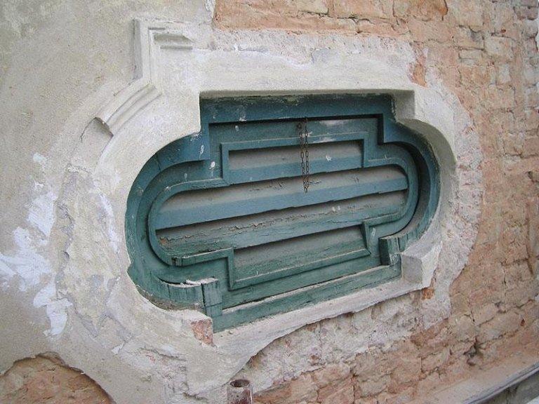 Villa MOrosini Bardi, decorazione di forometria prima del restauro