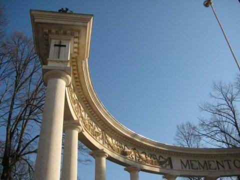 restauro monumento ai caduti
