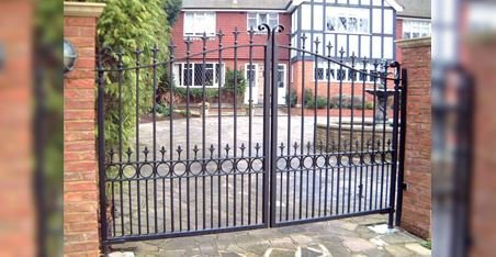 large double metal gates
