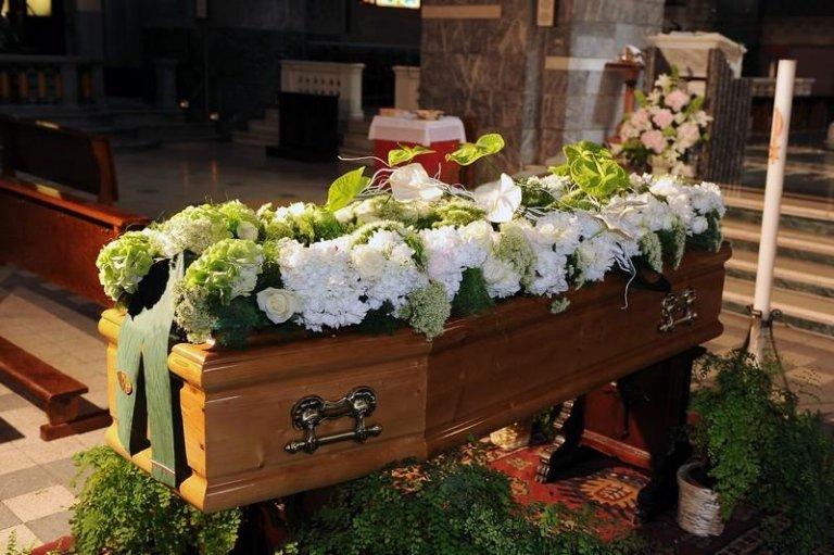 decorazioni floreali funebri Genova