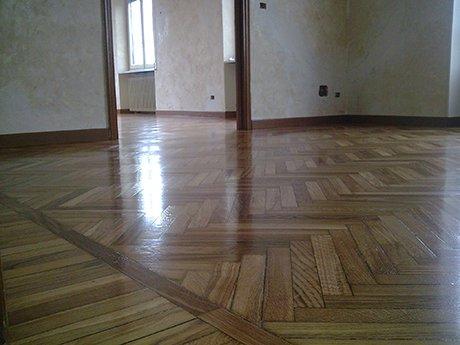 pavimento in legno con disegno