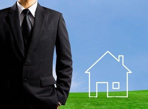 Il Dr. Ruberto fornisce sostegno circa acquisti e vendite immobiliari.