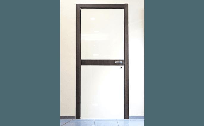 porta interna legno bianco nero