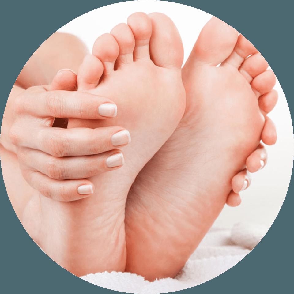 Il Dott. Franco Mattioni offre il trattamento di deformazioni e di malformazioni del piede
