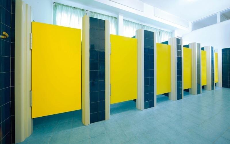 Porte per spogliatoi treviso portapi - Porte per bagni pubblici ...