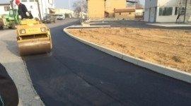 macchina per asfalto strade