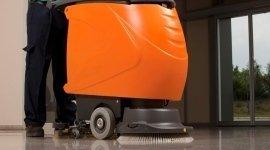lucidatrice, pulizia con macchinari efficenti