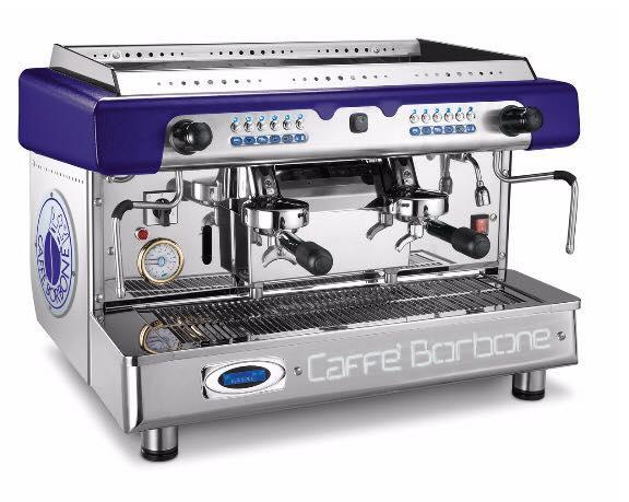 una macchina del caffe' in acciaio della marca Caffe' Borbone