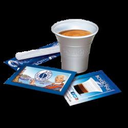 un tappo blu con scritto una tazzina bianca con il logo Caffe' Borbone