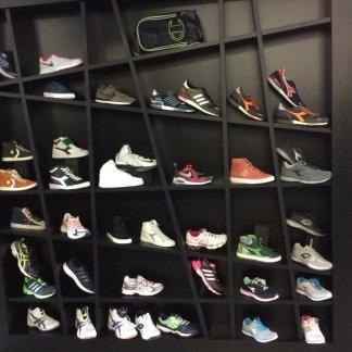 Sneakers a monteroni d'arbia, converse monteroni d'arbia, scarpe da ginnastica a siena, scarpe sportive monteroni d'arbia, scarpe running siena, sneakers siena, converse siena, converse monteroni d'arbia, footwear siena